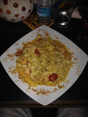 Casa Nostra Restaurant : Cenando en Casa Nostra..