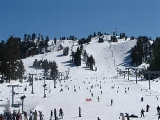 The North Shore Inn: Snow Valley Ski Area