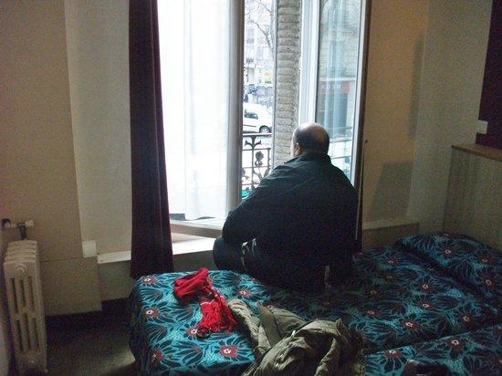 Hotel Tolbiac : Fenêtre hermétique au bruit tres belle vue