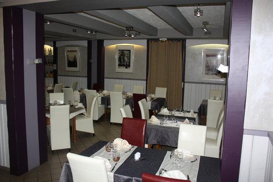 Restaurant De La Tour Saint Privat La Montagne
