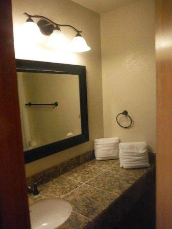 Granlibakken Tahoe : Clean and Fresh bathroom