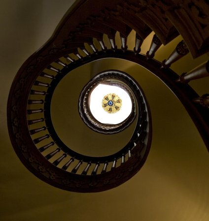 Mansion Hill Inn : Staircase