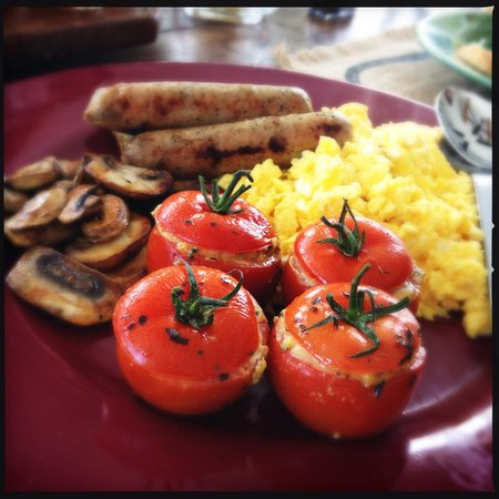 Enthusiastic Spirits Guest House and B&B: Amazing stuffed tomatoes!!