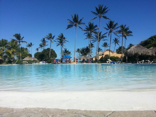 Punta Cana Princess All Suites Resort & Spa: Piscina espetacular