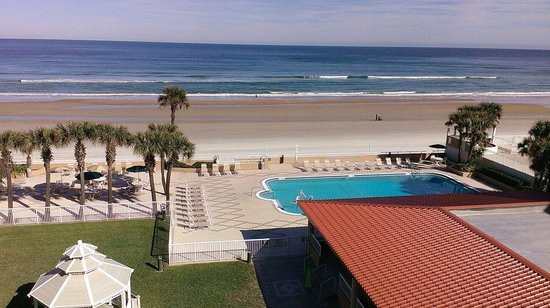 Holiday Inn Hotel & Suites Daytona Beach: View from balcony of room 518.