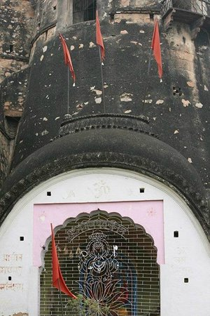 Jhansi Fort: The Ganesh Temple the Queen used to worship...