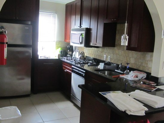 Divi Village Golf and Beach Resort : Kitchen.