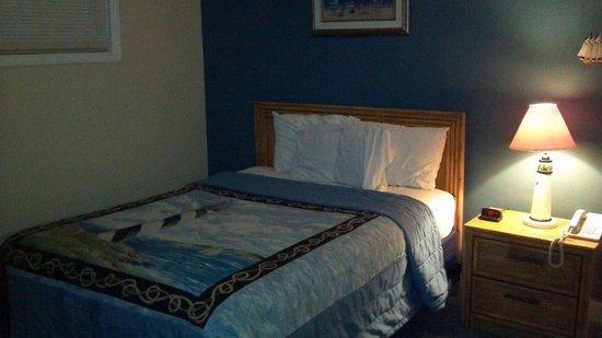 Atlantic Towers : 2nd bedroom 312