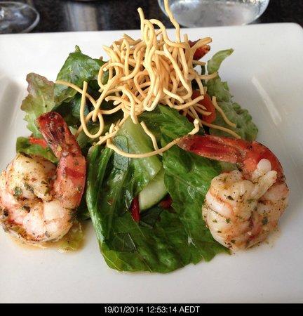 Lark Hill Winery Restaurant: Spicy prawn salad