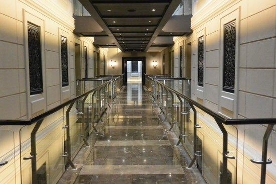Cape Royale Luxury Hotel: My floor level