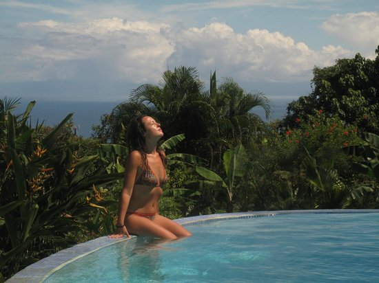 Agua Vista: relax on the pool