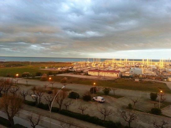 BEST WESTERN David Palace Hotel: Vista sul porto dal balcone della camera in cui ho alloggiato