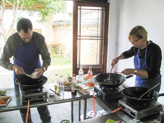 Yangshuo Cooking School: Wok Cooking in Chao Long Village
