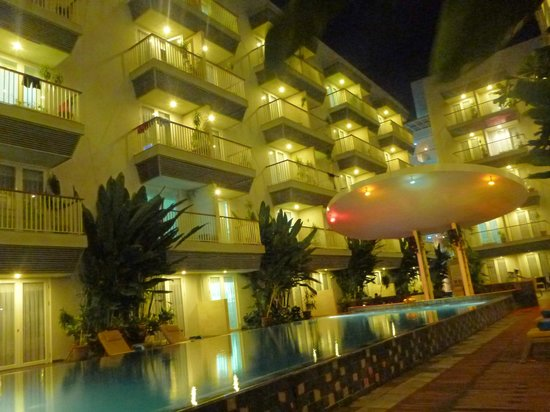 pool area at night picture of eden hotel kuta bali kuta. Black Bedroom Furniture Sets. Home Design Ideas