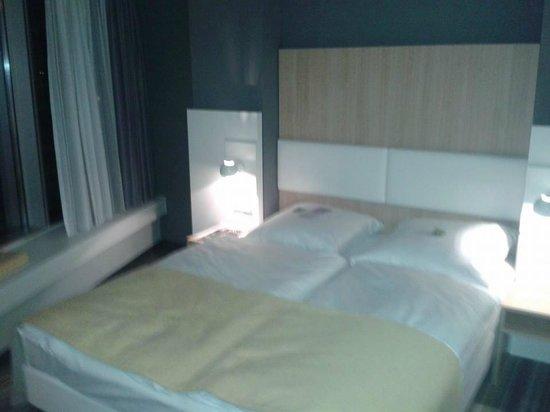 GHOTEL hotel & living Würzburg: Mein Bett, war sehr gemütlich.