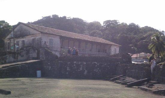 Mucho Gusto Panama Day Tours: Portobelo - old customs house
