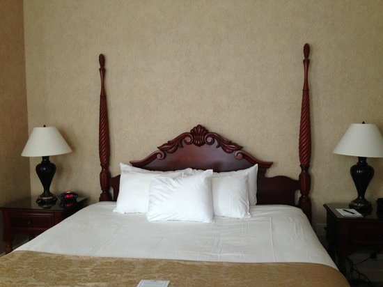 French Lick Springs Hotel : Guest room