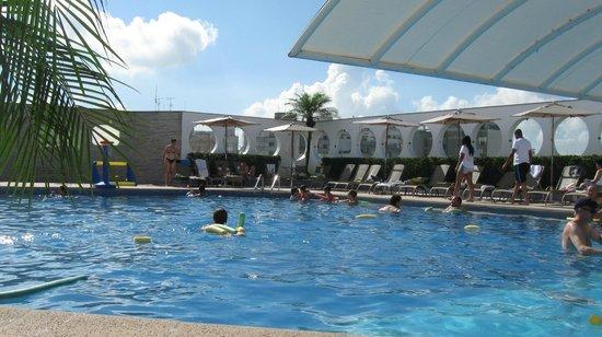 Mendes Plaza Hotel: piscina