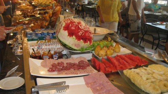 Mendes Plaza Hotel: exelente desayuno