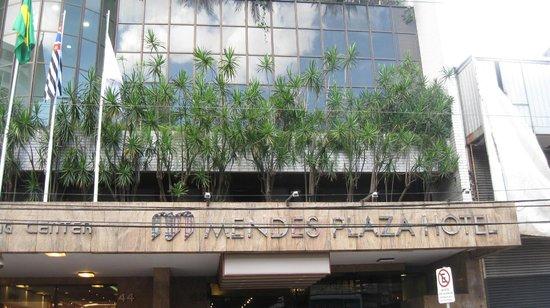 Mendes Plaza Hotel: frente