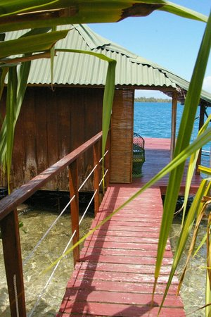 Pension Nahe Toe Toe: entrance to bungalow on the water