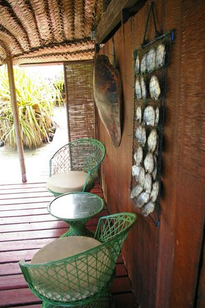 Pension Nahe Toe Toe: inside the bungalow-sitting area