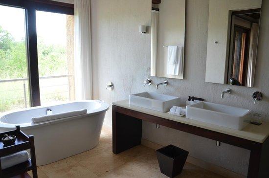 Kapama River Lodge: BANHEIRO
