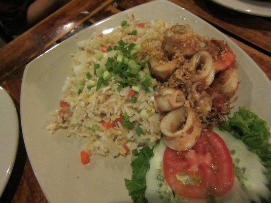 Takieng Restaurant : 海鮮チャーハン
