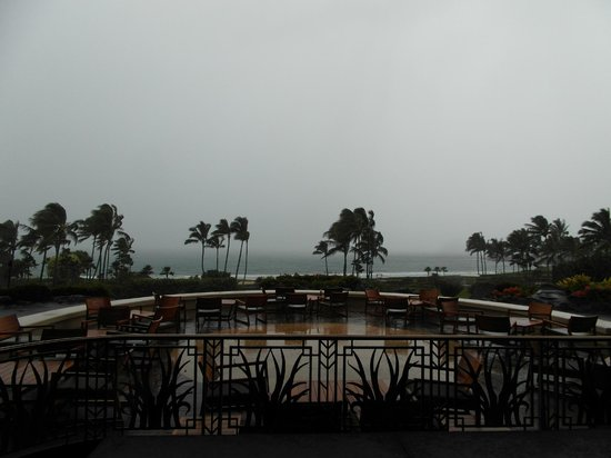 Grand Hyatt Kauai Resort & Spa : Sicht aufs Meer von der Lobby aus