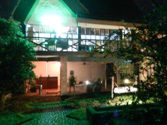 Hotel Cribe: frente del hotel