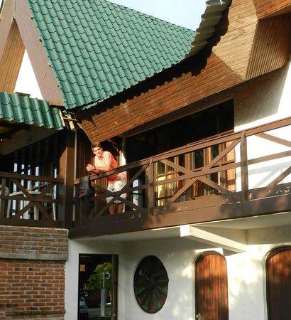 Hotel Cribe: habitaciones y terraza