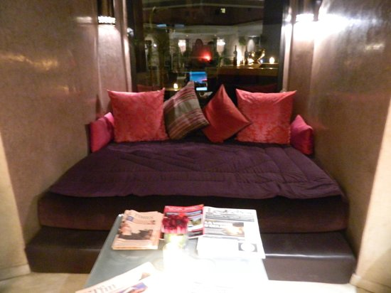 Hivernage Hotel & Spa : lounge na entrada do hotel