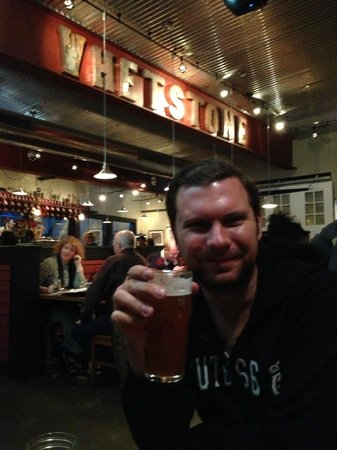 Whetstone Station Restaurant and Brewery: cheers!