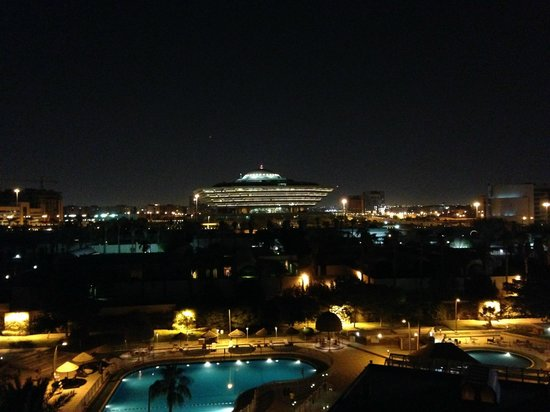 InterContinental Riyadh : Night view from the Executive Club lounge and some of the rooms