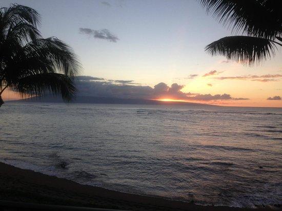 Kahana Village: Our first sunset