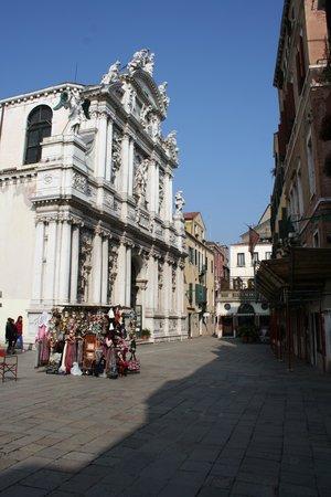 Palazzo del Giglio: vue face à l'hôtel