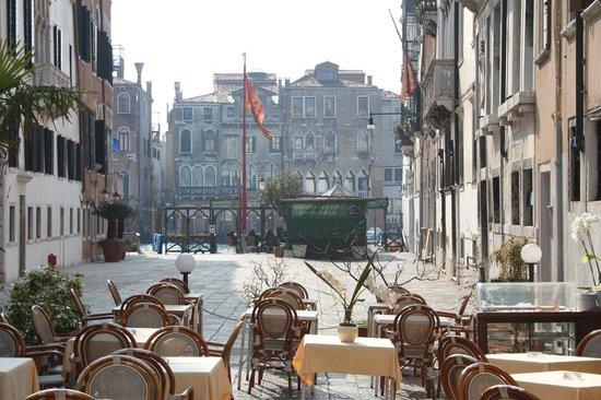 Palazzo del Giglio: à 50 mètre de l'entrée de l'hôtel