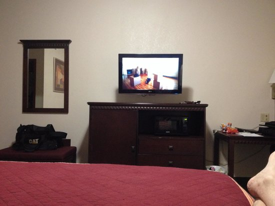 "Millstream Inn : 32"" flat screen with cable and NHL network"