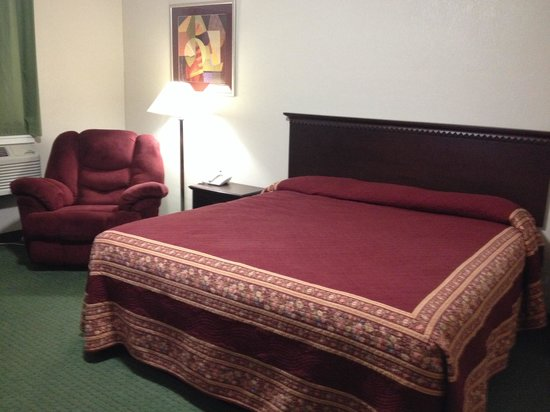 Millstream Inn: King size room with king size bed