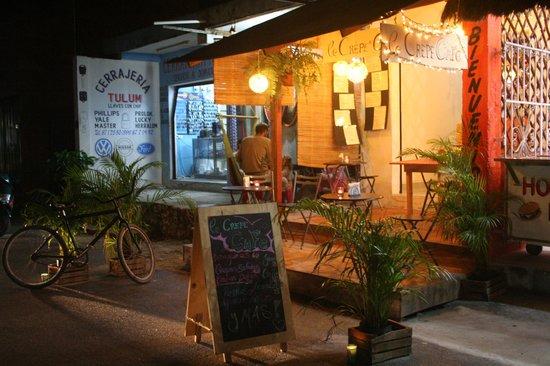 Le Crepe Cafe Restaurant