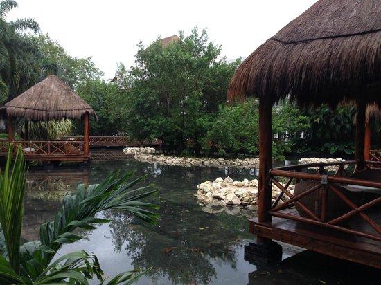 Grand Riviera Princess All Suites Resort & Spa: Lagoon