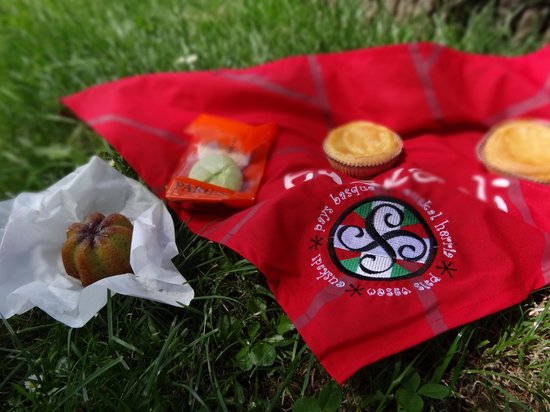 Confiserie Paries : Our delicious picnic snacks
