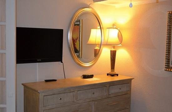 Playa Linda Beach Resort: bedroom drawers