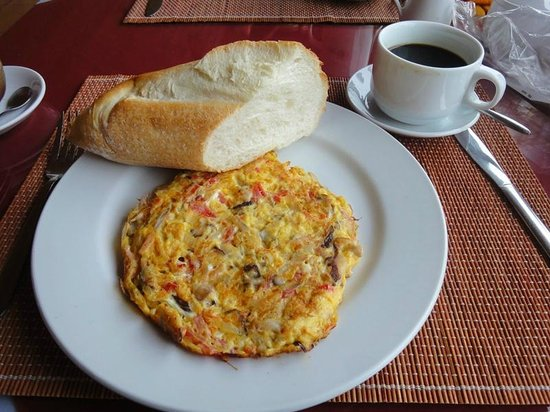 Sapa Eden Hotel : Delicious bread with omelet