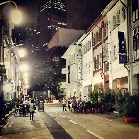 Matchbox The Concept Hostel: ann siang rd. at night