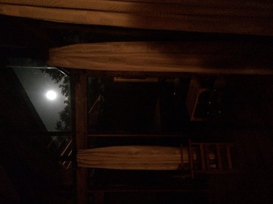 Tenorio Lodge: Full moon from Bungalow