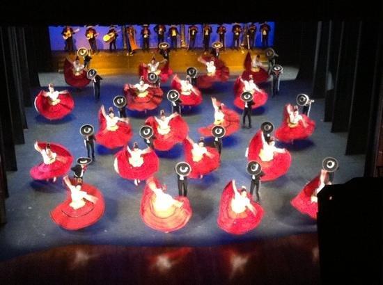 Ballet Folklorico de Mexico: excellent!