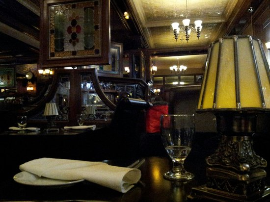 The Parlour Inn: nice clean restaurant... excellent for a date night  :-)