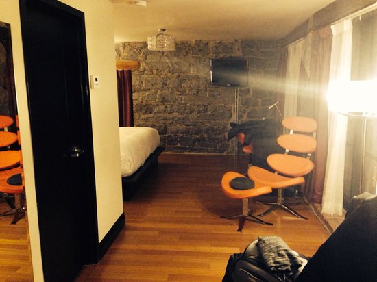 Le Petit Hotel : Our room