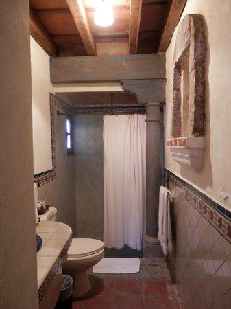 Hotel Los Pasos: Baño